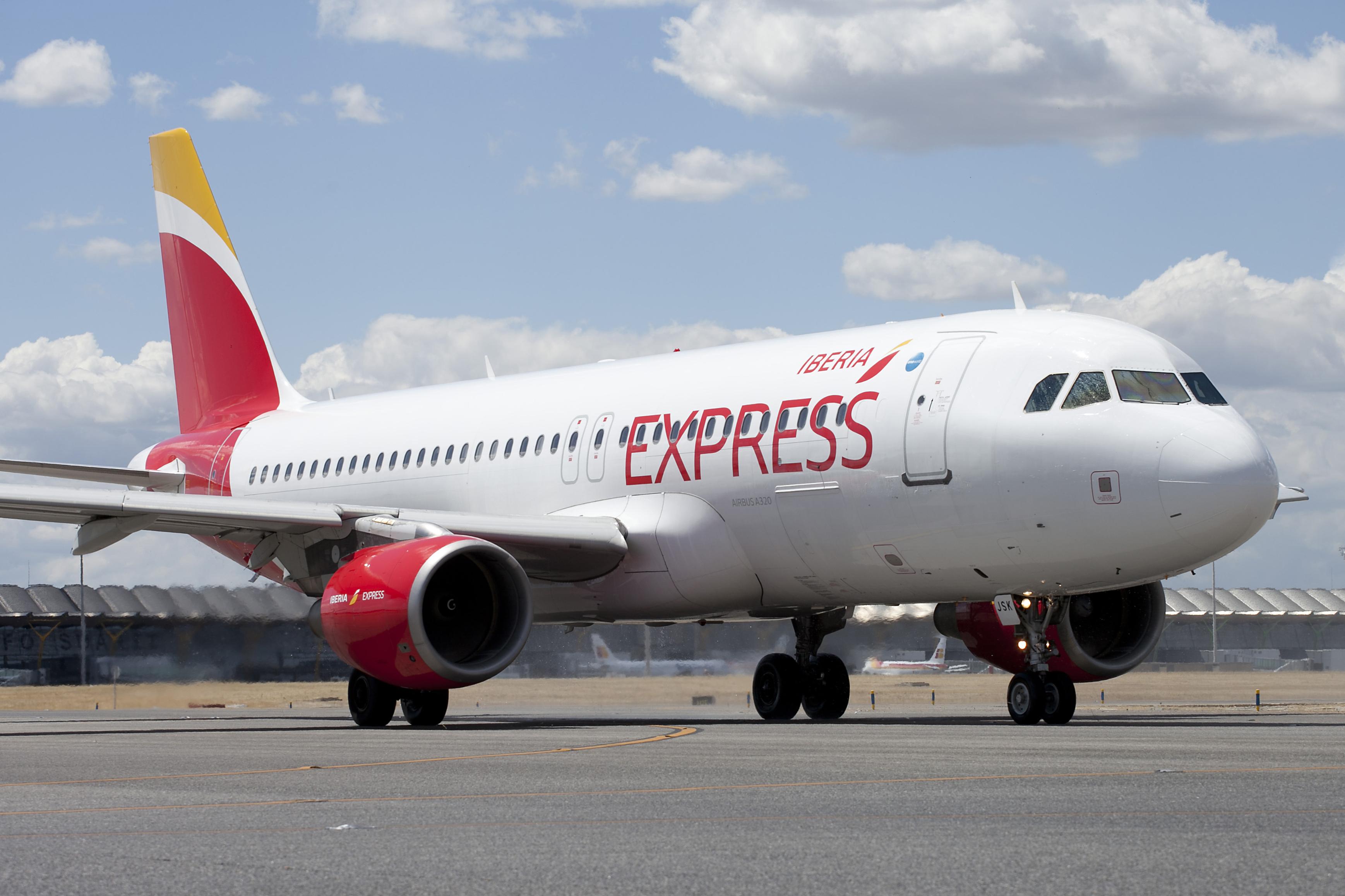 Iberia Express refuerza su presencia en Canarias