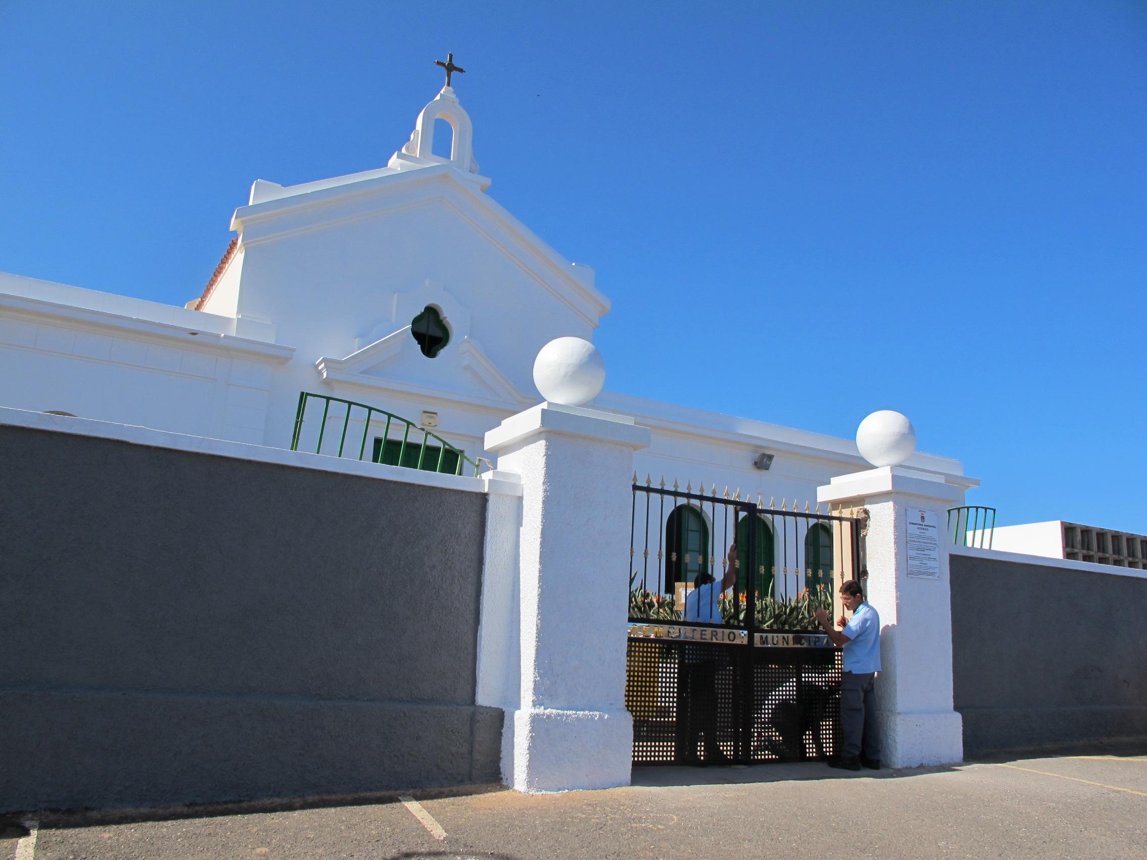 Cementerio de la Atalaya en Guía