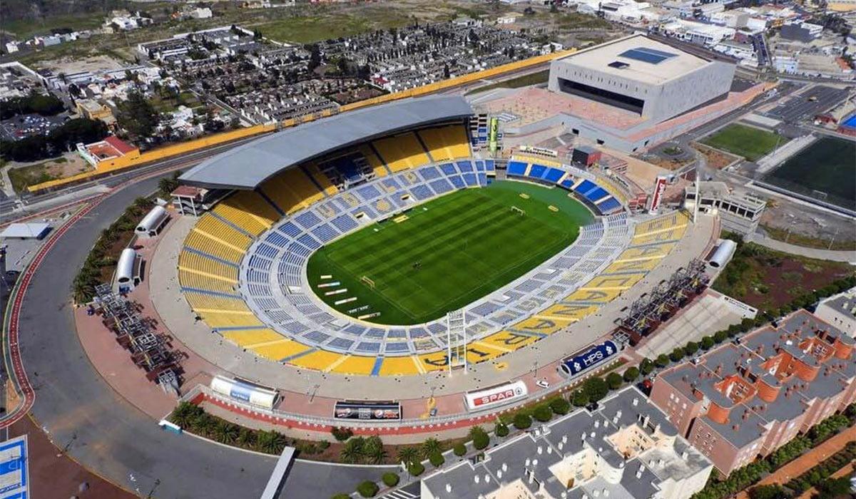 La Policía Local organiza un dispositivo especial en Siete Palmas con motivo de los partidos de la UD Las Palmas y la selección de España