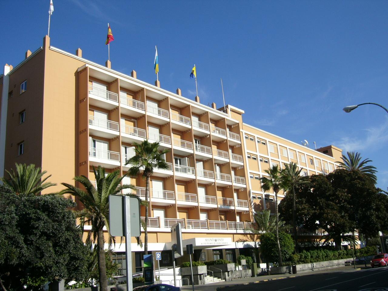 El ayuntamiento de las palmas de gran canaria recupera la jornada de 35 horas semanales para - Piscina las palmas de gran canaria ...