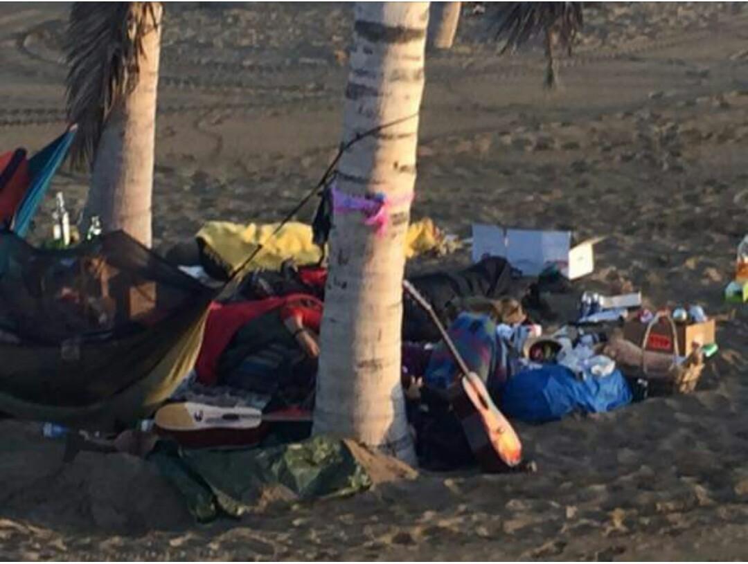 Ángeles Batista exige que se ponga solución a los okupas en la playa de Las Alcaravaneras