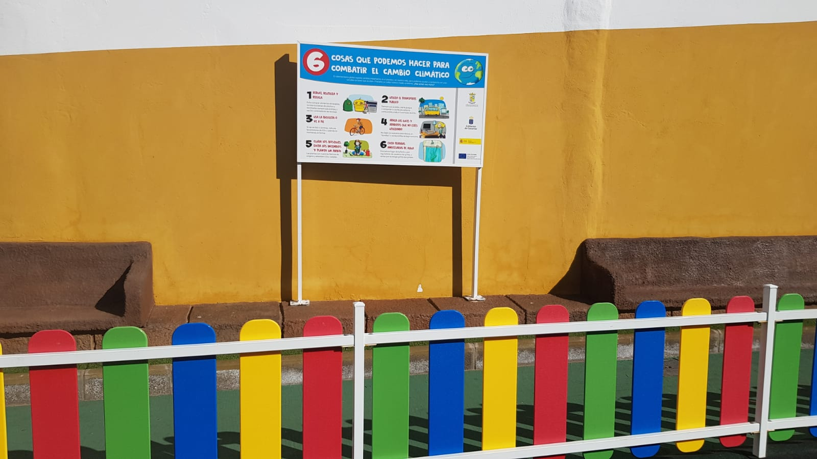 Medio Ambiente instala paneles educativos en los parques infantiles de La Aldea