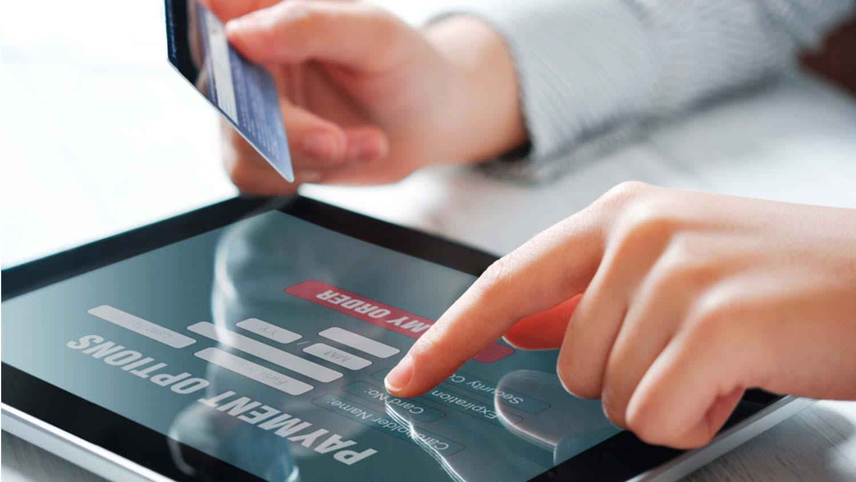 El volumen de negocio del comercio electrónico en 2017 llega a los 969 millones de euros en Canarias
