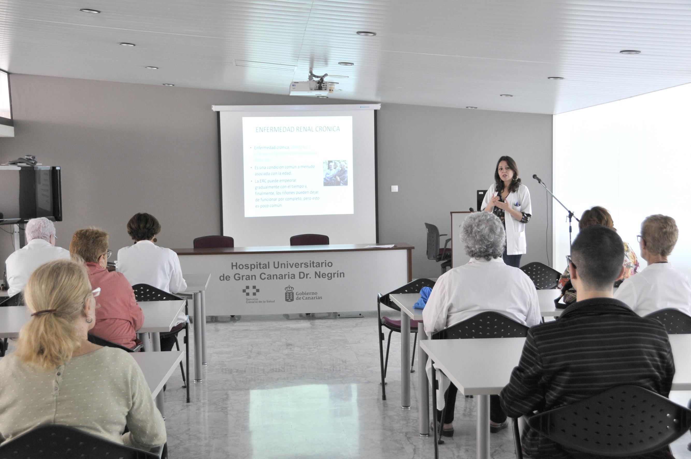 El Aula de Pacientes del Hospital Dr. Negrín contó con la participación de más de 2.100 personas