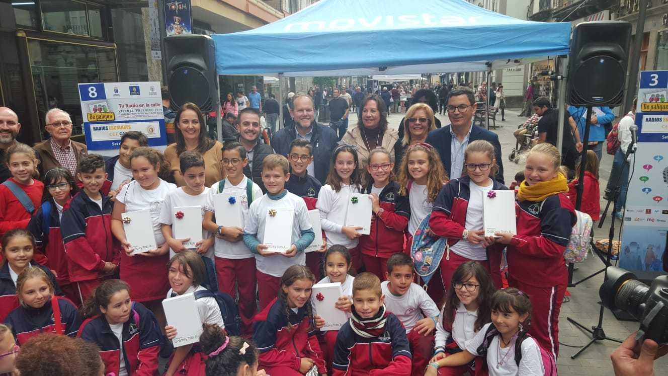 La radio escolar toma Triana en la cuarta edición de 'De Palique'