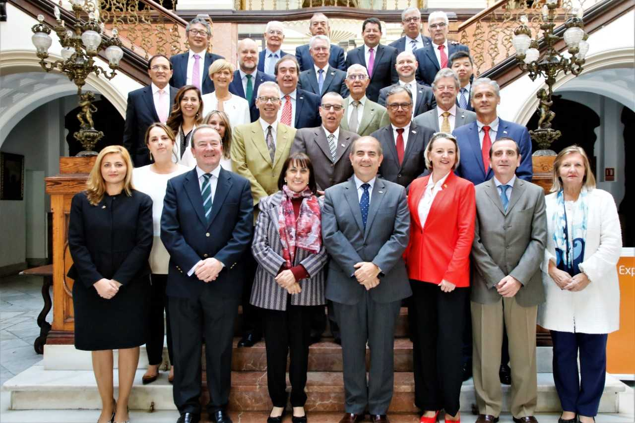 Los cónsules de Las Palmas conocieron el proyecto de Misiones de Paz de los tres ejércitos