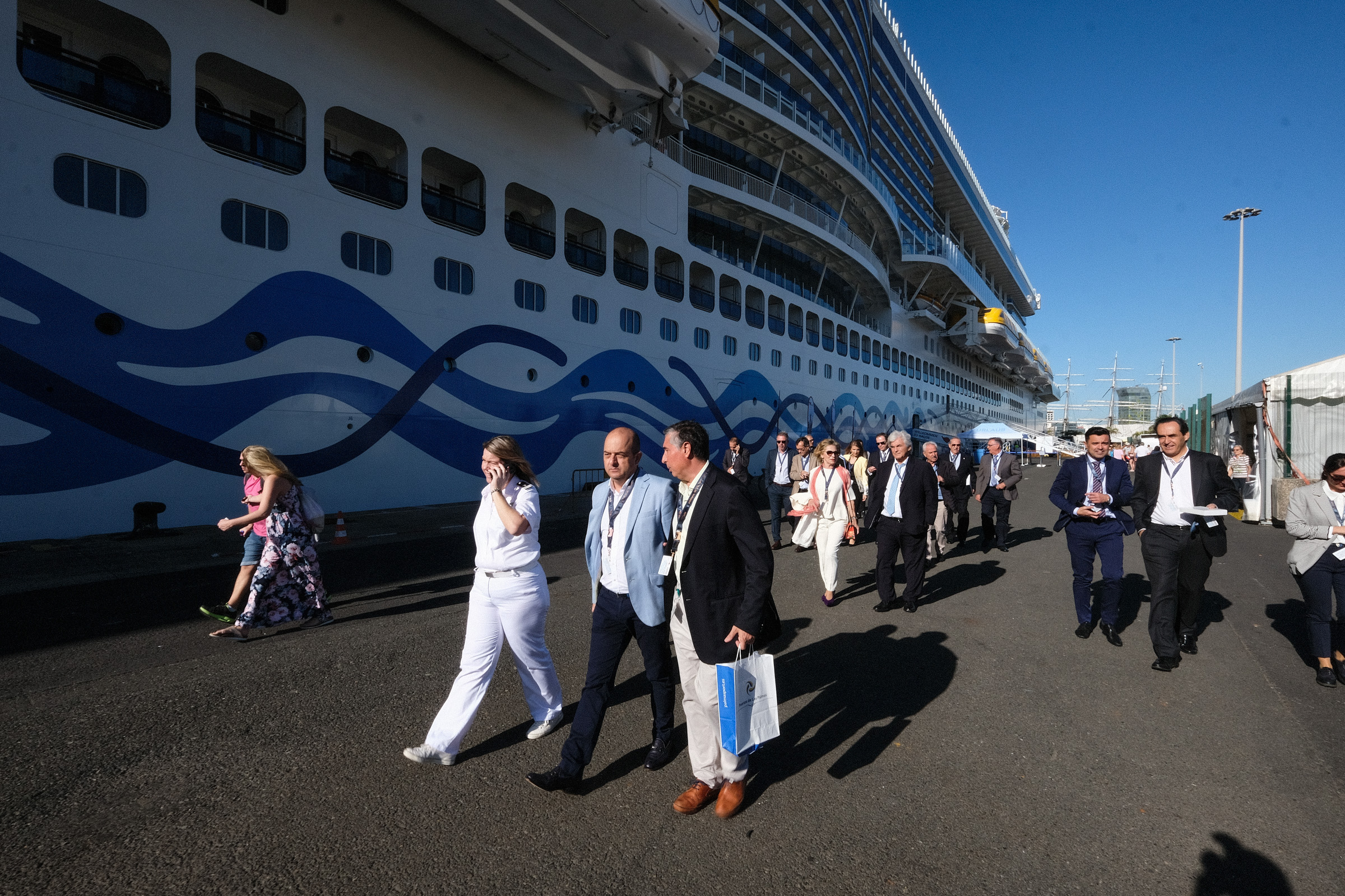 El Puerto de la Luz recibe a 19.900 cruceristas en uno de los fines de semana más fuertes de la temporada