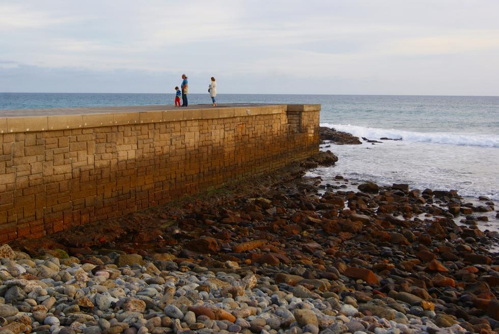 El Ayuntamiento y el Gobierno Municipal de San Bartolomé de Tirajana rechazan la ampliación del dique del Faro de Maspalomas