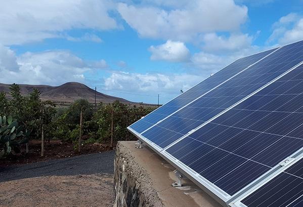 Fuerteventura concede más de 260.000 en ayudas para instalar energías renovables en viviendas y explotaciones agrícolas y ganaderas