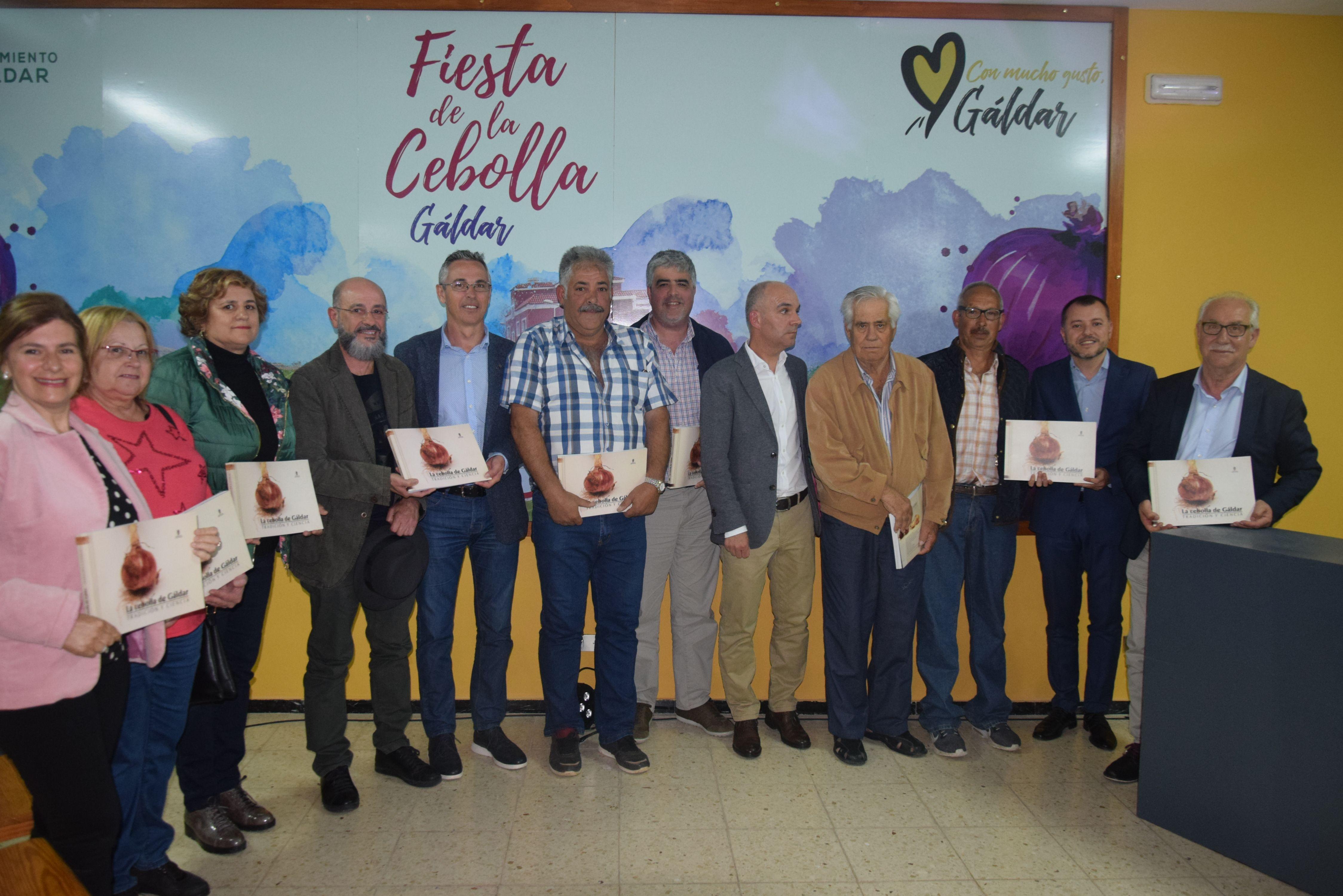 El Cabildo de Gran Canaria ahonda en un libro en la historia de la cebolla de Gáldar