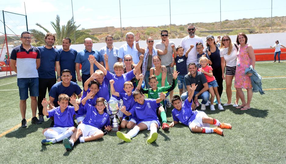 La selección Santa Cruz-Norte, campeona del XIV Torneo de Fútbol Benjamín San Miguel de Abona