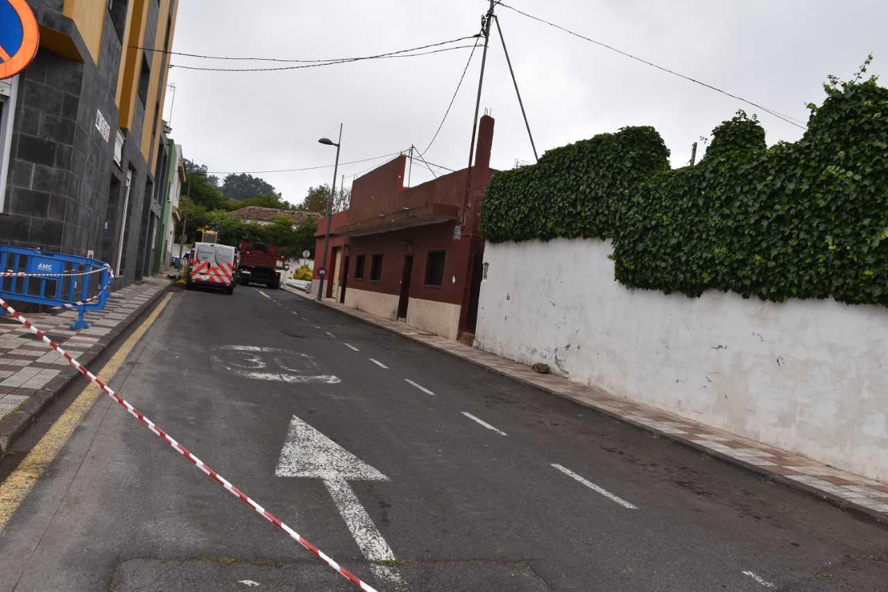 El Rosario sustituye la red de abastecimiento de agua de la calle Catedrático Antonio González, en La Esperanza