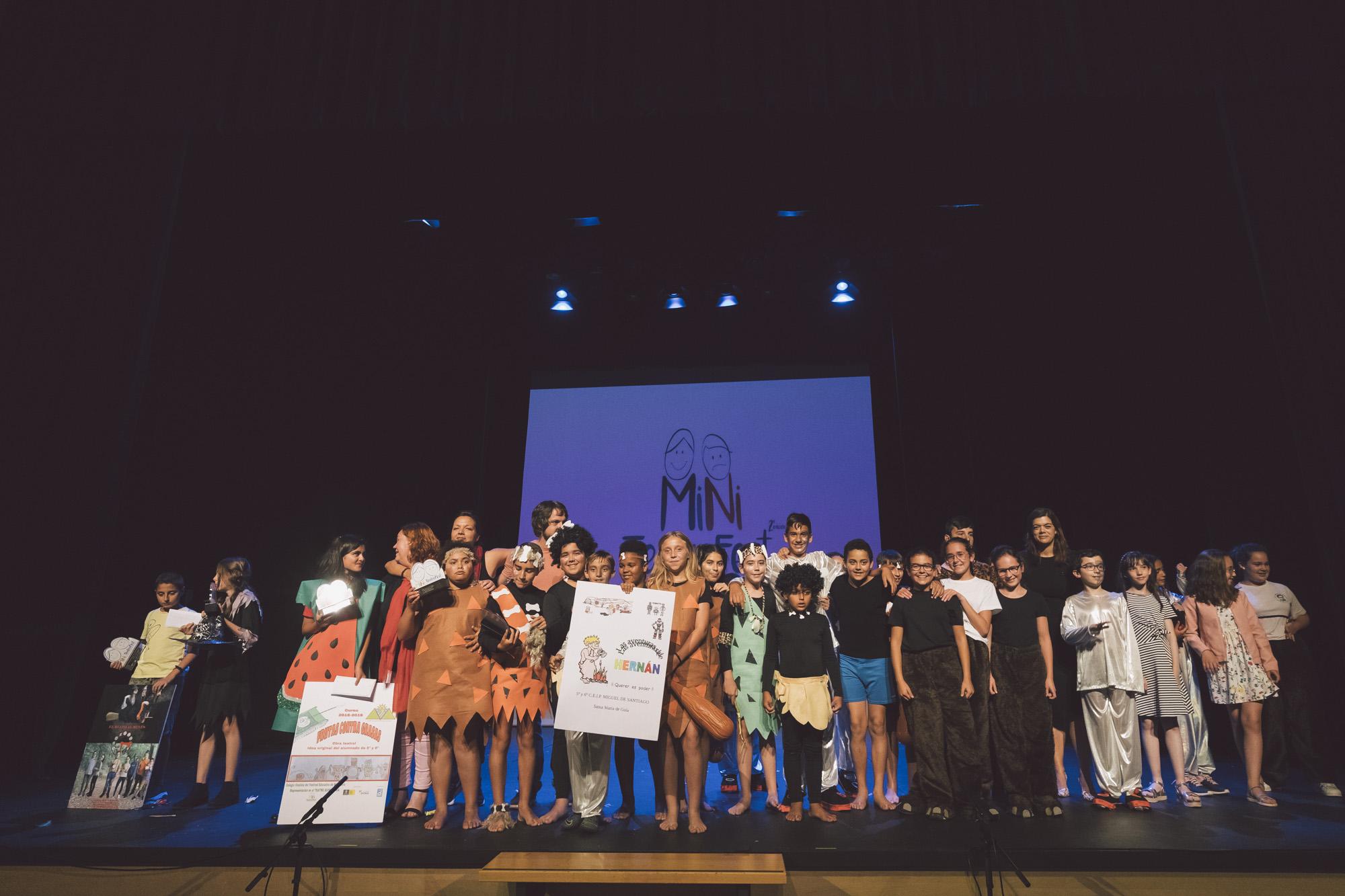 Alumnos ganadores de Miniteatro Fest