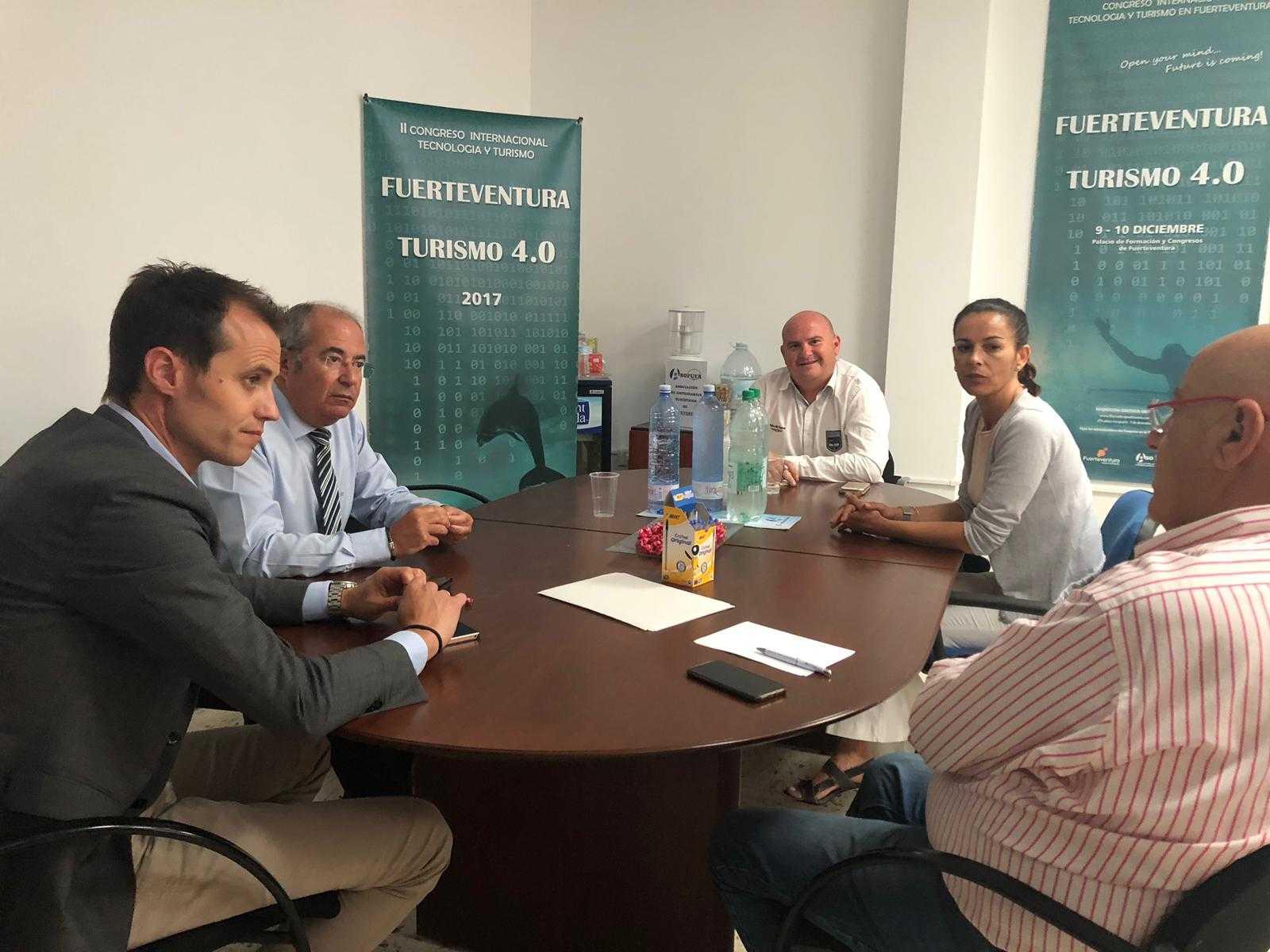 Gehocan y Asofuer colaboran para potenciar el conocimiento en los departamentos de Recursos Humanos