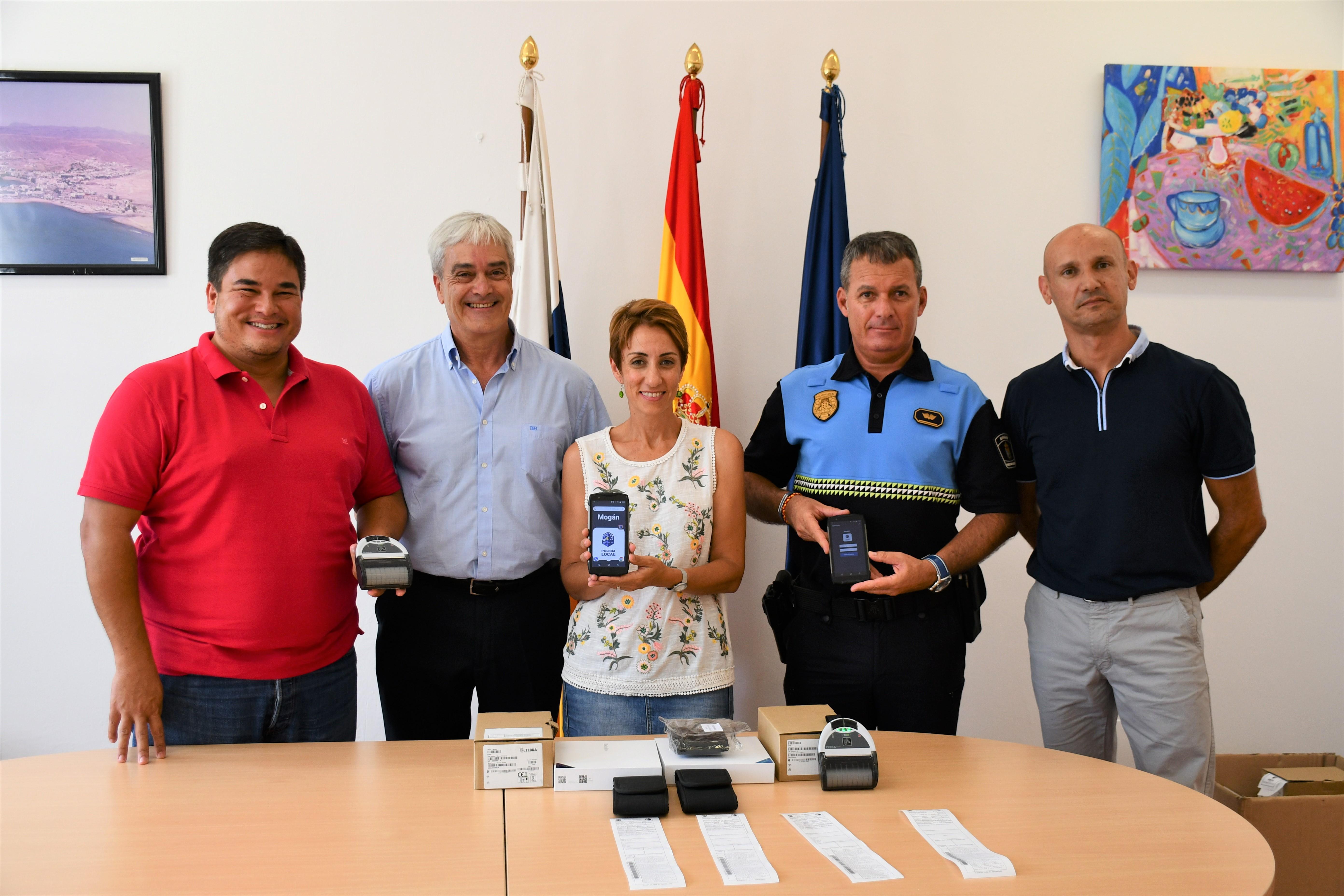 La Policía Local de Mogán estrena 15 dispositivos PDA