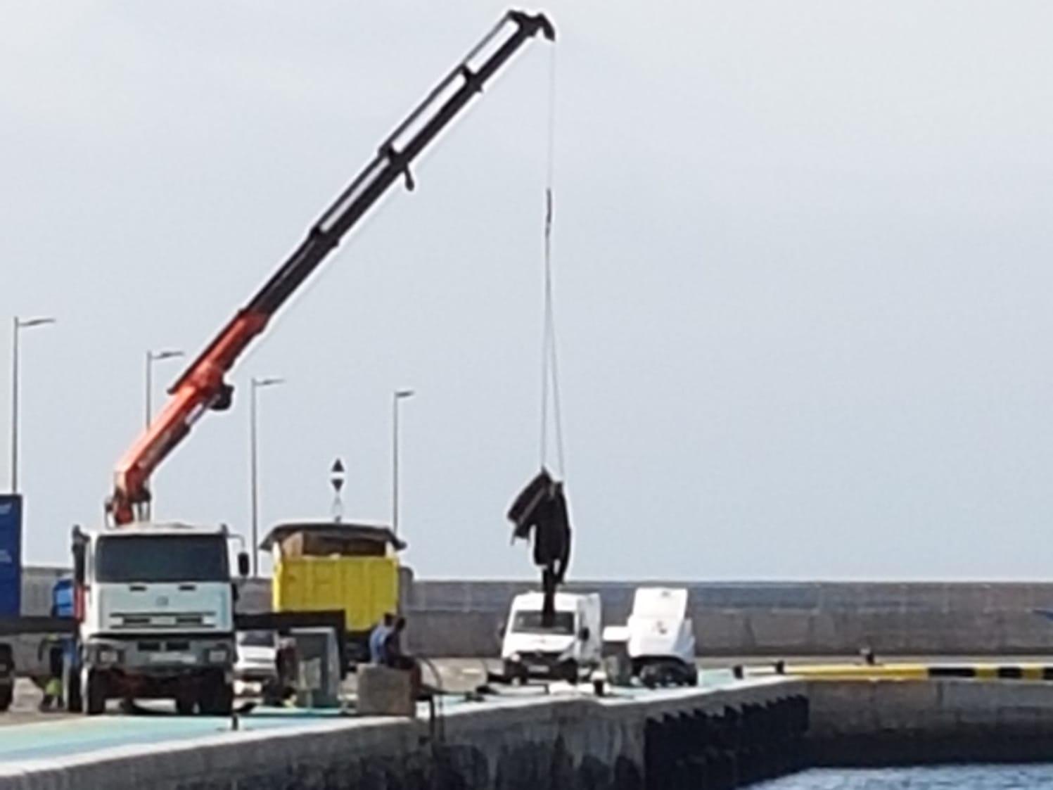 Ciudadanos pide explicaciones sobre los últimos trabajos de limpieza en el puerto de Gran Tarajal