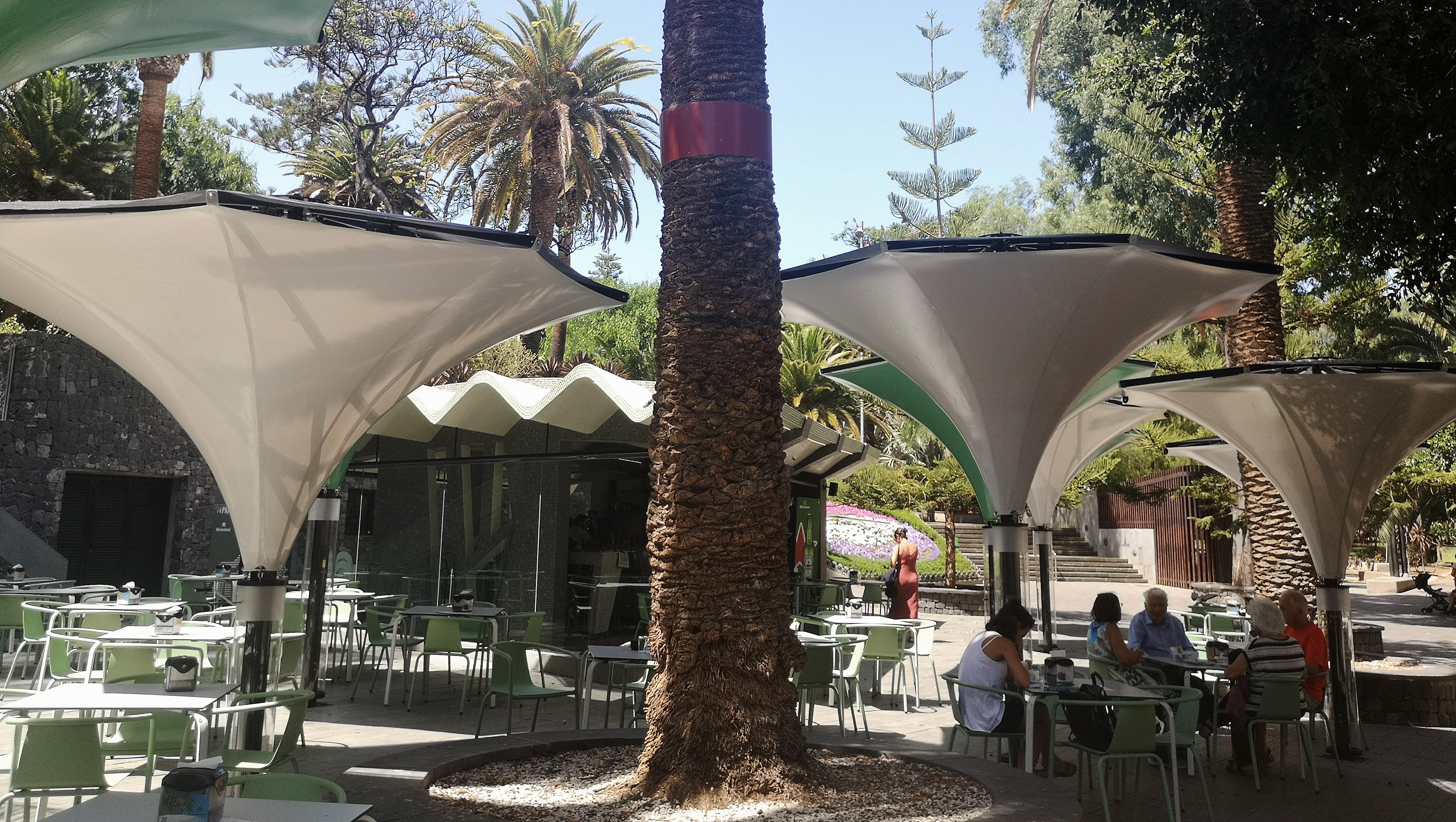 La Asociación Nuestro Patrimonio cuestiona el impactante diseño de los nuevos parasoles del quiosco del García Sanabria
