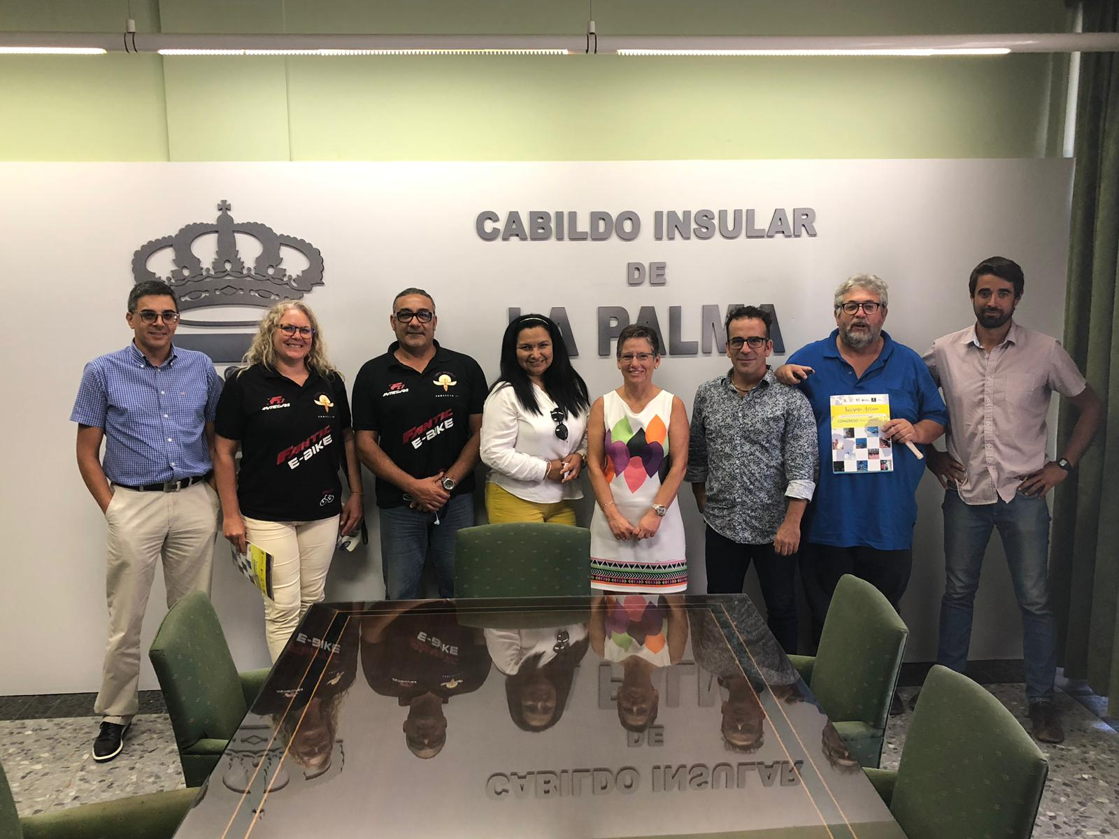 Las empresas de Turismo Activo de Canarias se concentran en La Palma de cara a la organización del próximo curso