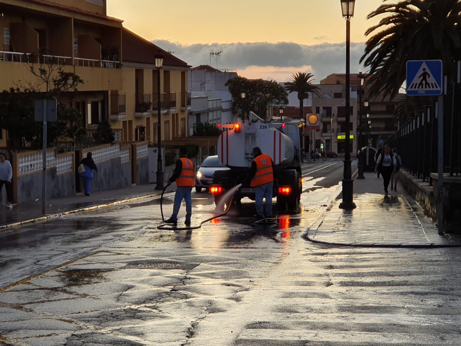 El Ayuntamiento de La Laguna lleva a cabo una acción especial de limpieza en la zona del cuadrilátero