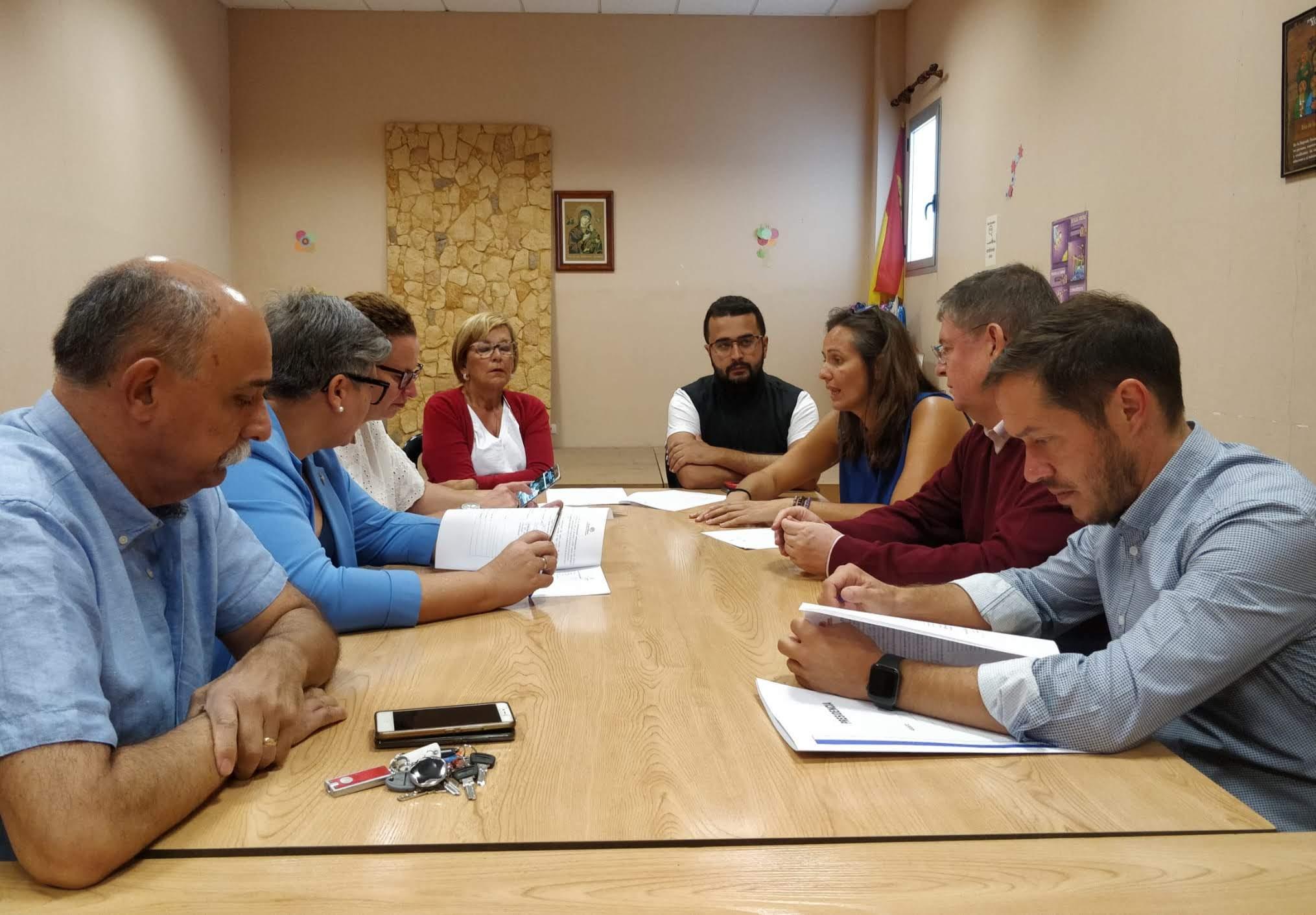 Zapata destaca el compromiso del Cabildo de La Palma con las personas sin hogar y ensalza la labor de Cáritas
