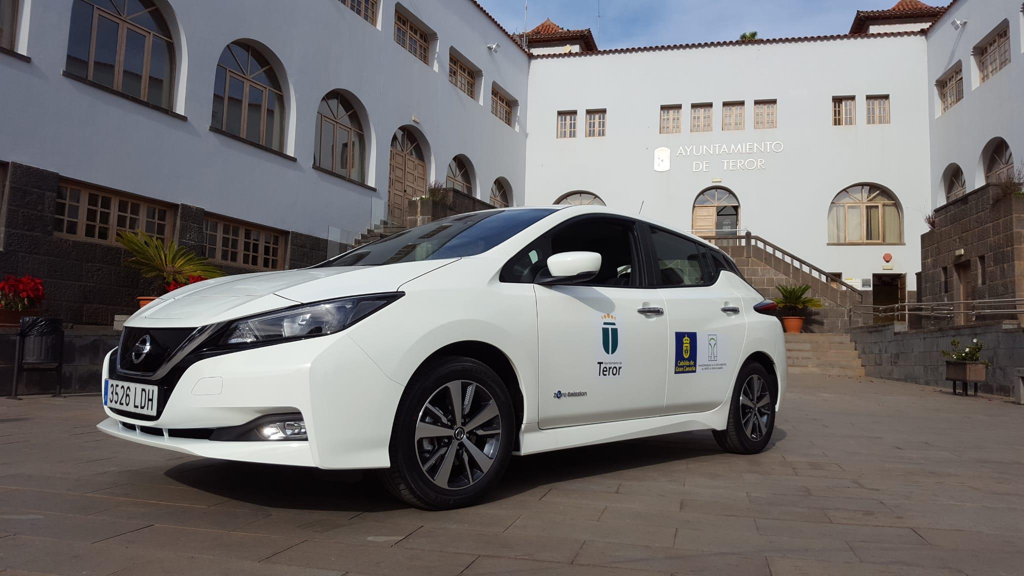 El Ayuntamiento de Teror incorpora el primer coche eléctrico a su parque móvil
