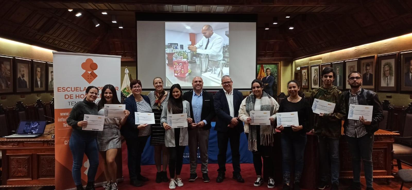 Puerto de la Cruz clausura el curso de Operaciones Básicas de Restaurante y Bar