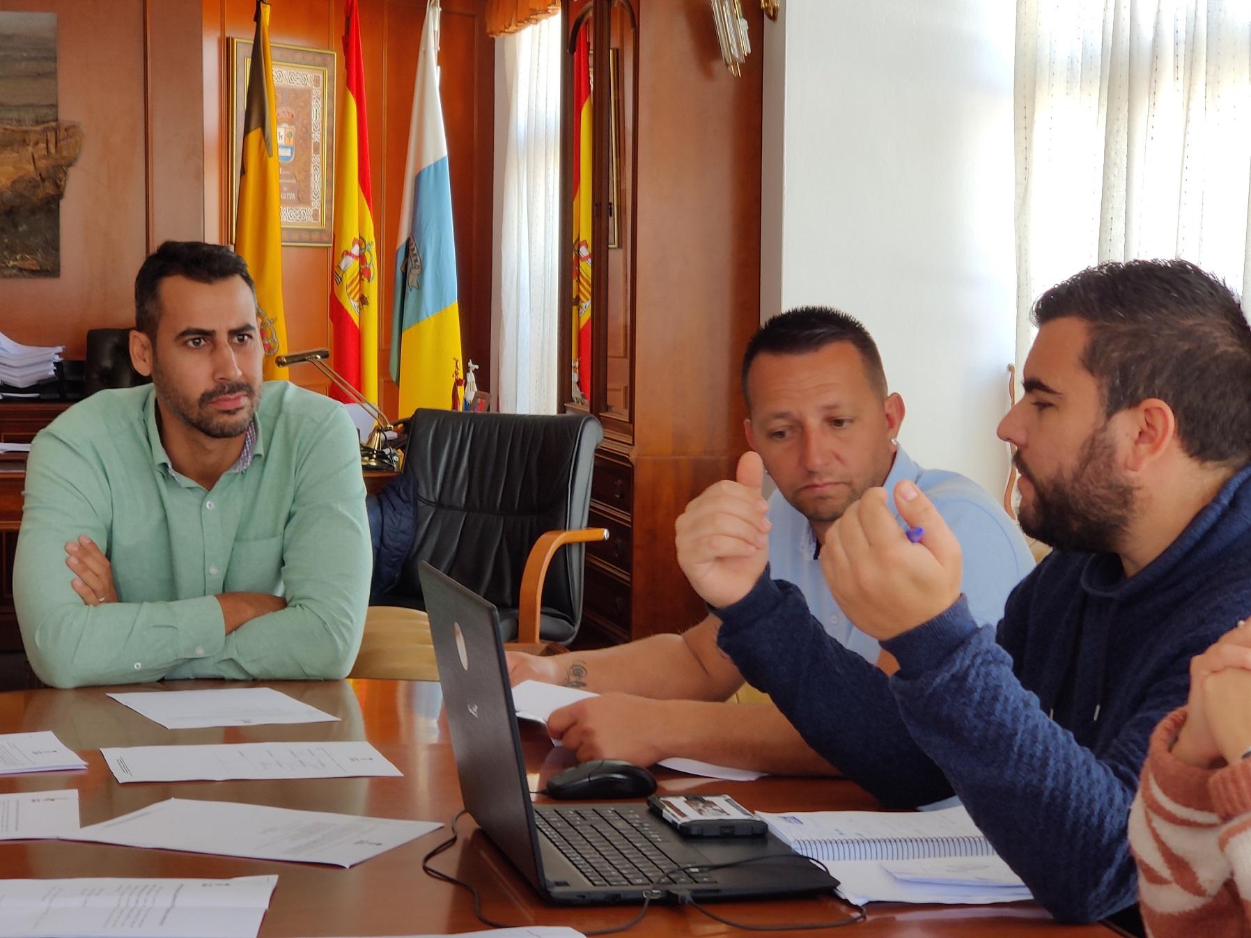 El Ayuntamiento de La Oliva prepara una línea de subvenciones dirigidas empresas y autónomos para contrarrestar el impacto del Covid-19 en la economía del municipio