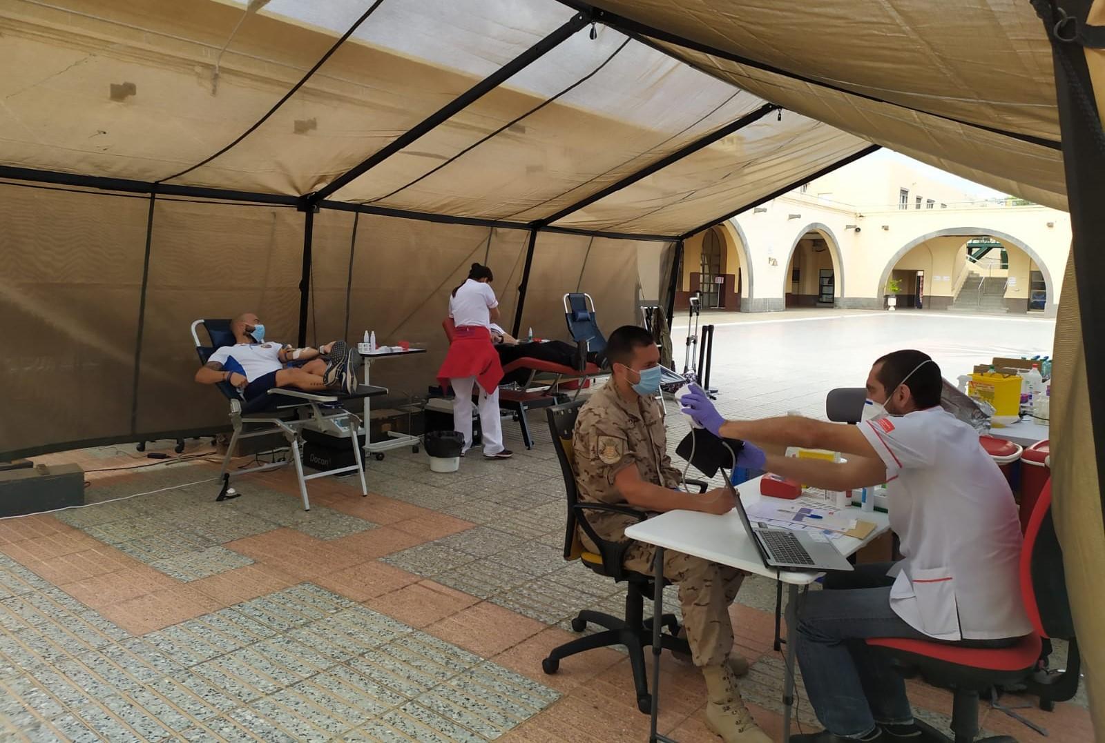 punto de donación de sangre en la Base Naval de Las Palmas de Gran Canaria