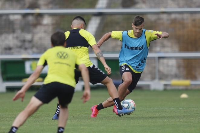 La UD Las Palmas entrenará en un solo grupo a partir de este lunes