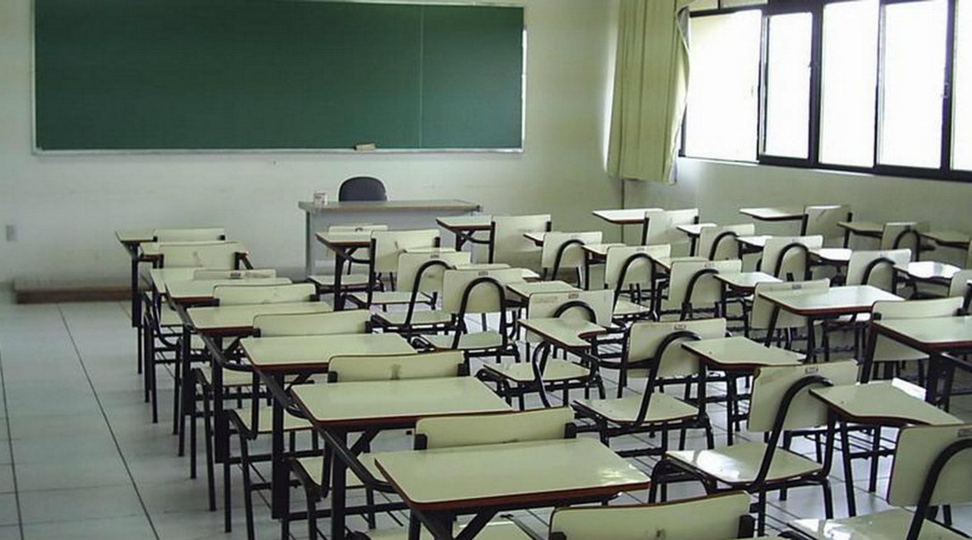 La Plataforma por el 5% para Educación señala que la educación 100% presencial requiere 4.000 docentes más