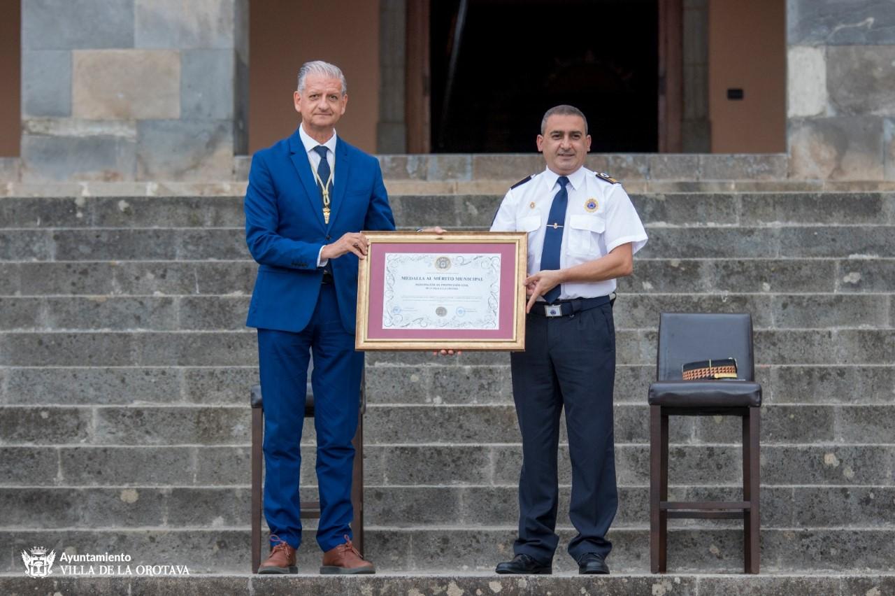 Protección Civil de La Orotava recibió la Medalla al Mérito