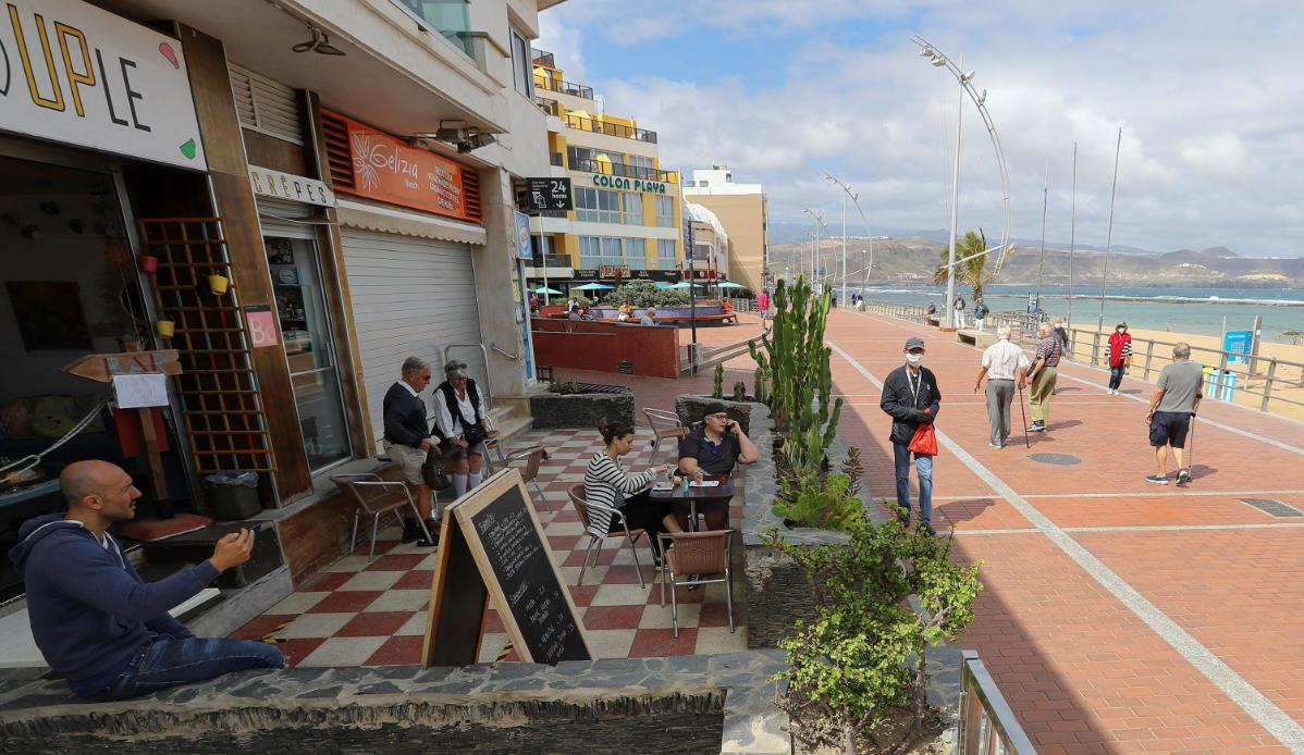 Terrazas en playa de Las Canteras. Las Palmas de Gran Canaria