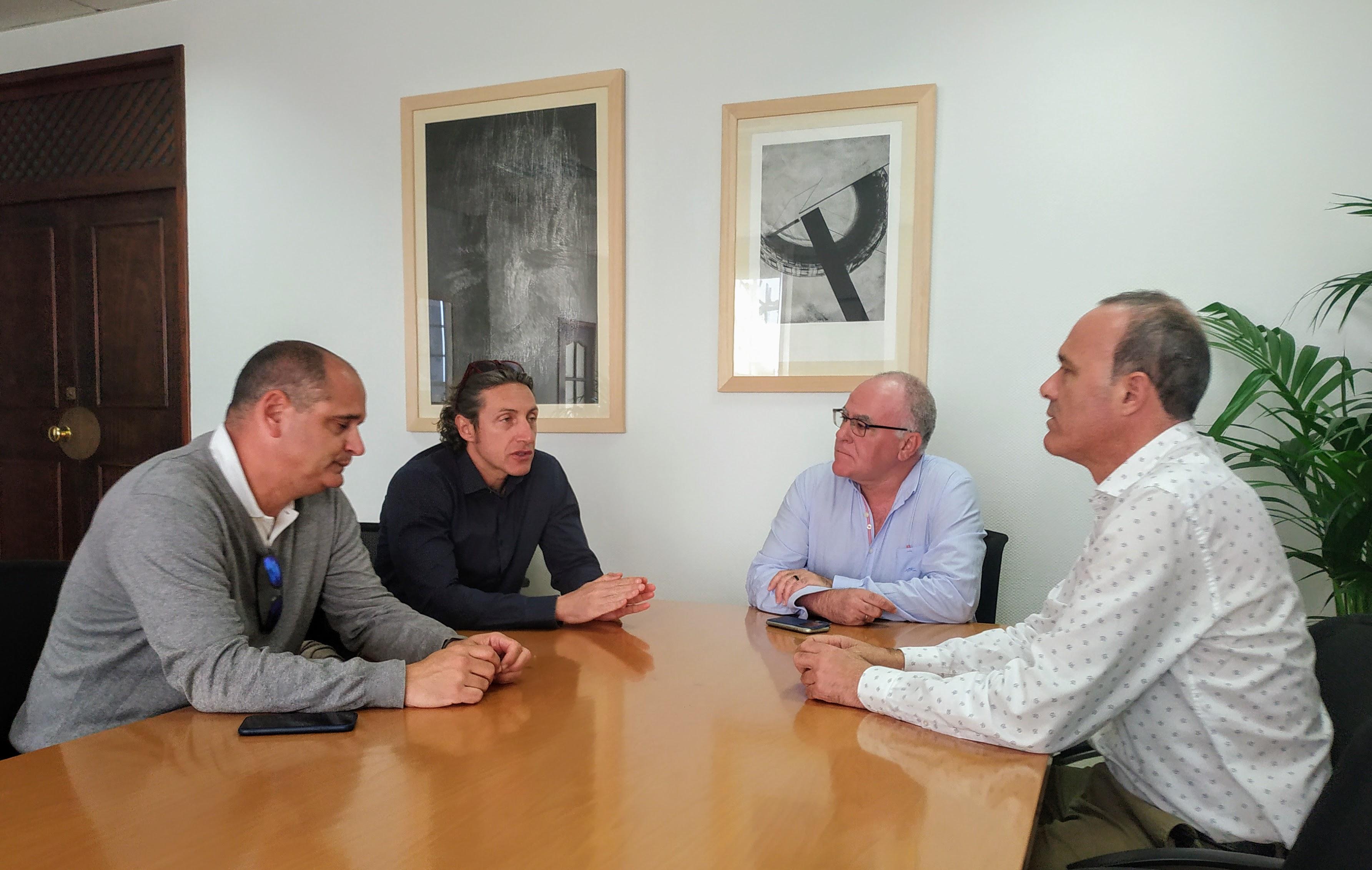 Reunión para mejorar la movilidad y conectividad de La Palma