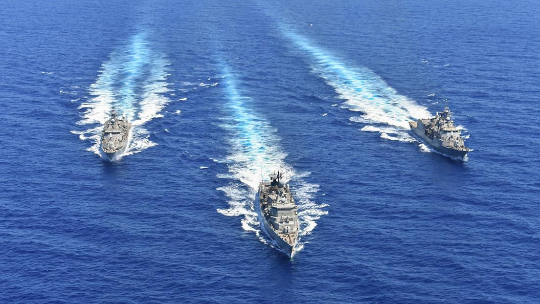 Navíos de guerra turcos en el Mediterráneo oriental