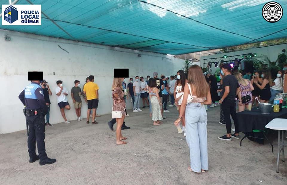Fiesta ilegal en Tenerife con 78 personas sin protección