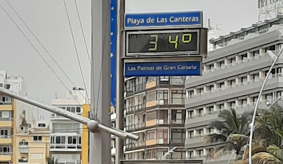 Altas temperaturas. Playa de Las Canteras. Las Palmas de Gran Canaria