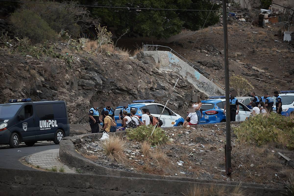 La Policía interviene en un botellón en Santa Cruz de Tenerife