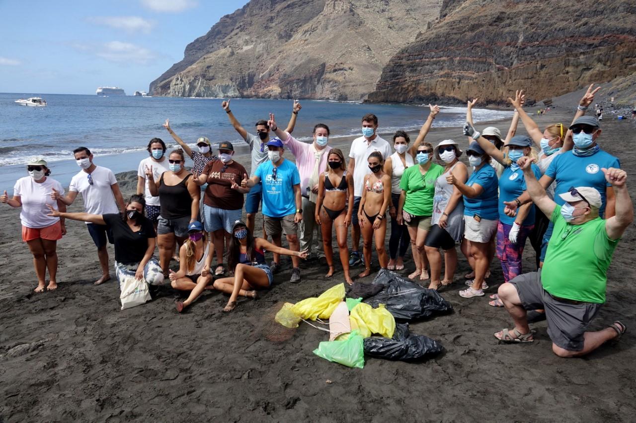 La playa de Antequera, escenario de una investigación del impacto de microplásticos