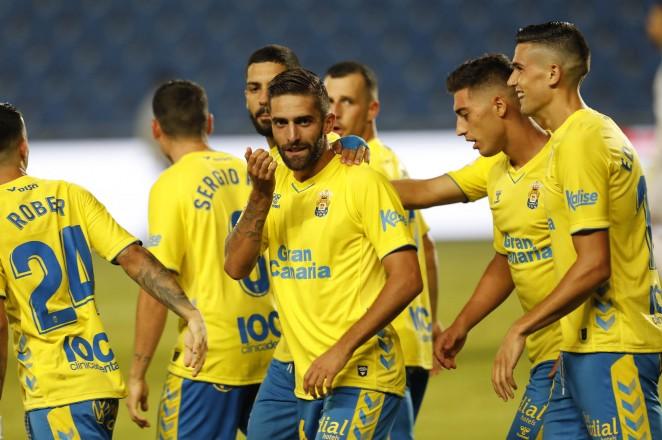 La U.D. Las Palmas deja escapar la primera victoria de la temporada ante el C.F. Fuenlabrada