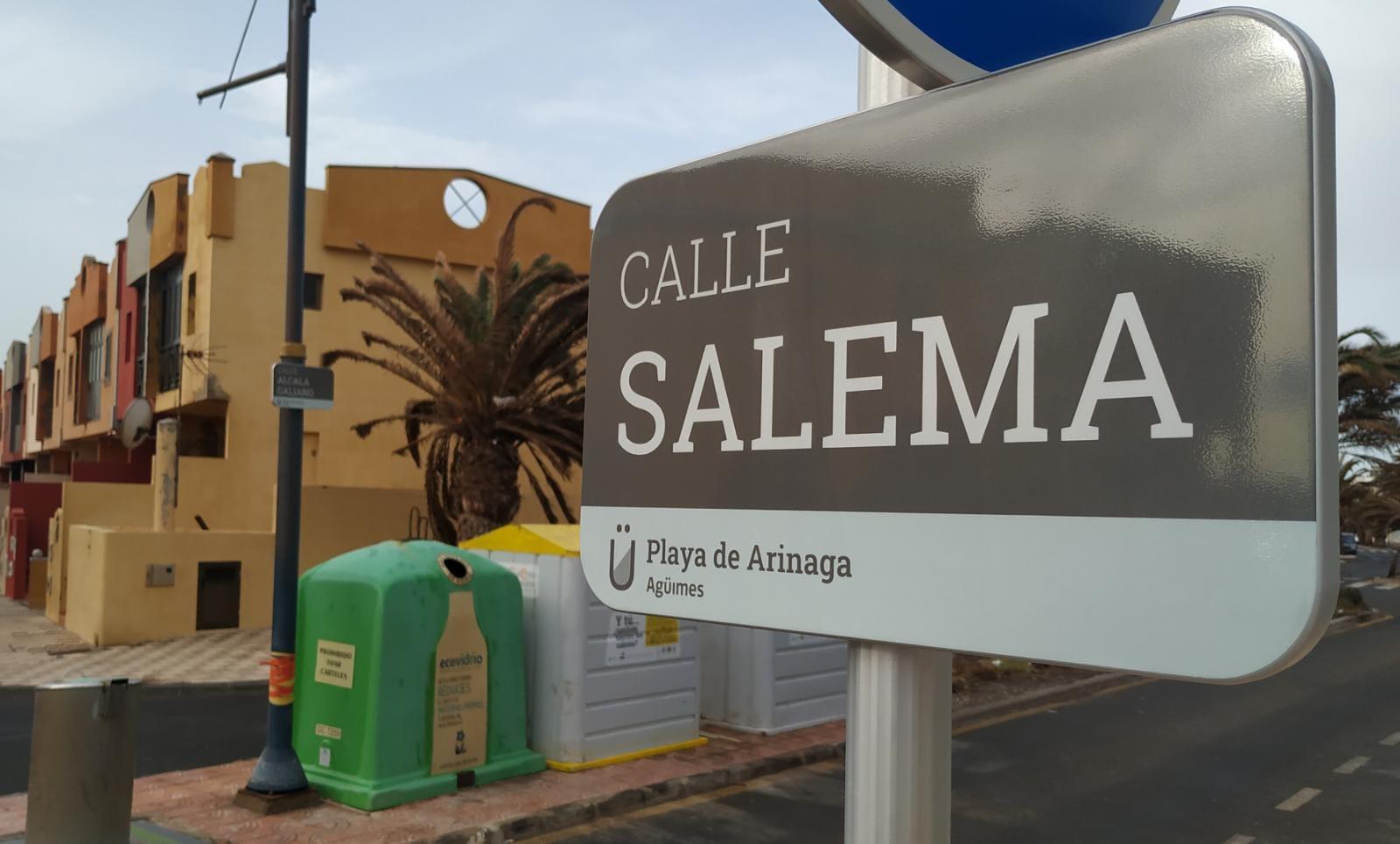 Nuevas placas identificativas de las calles en Agüimes. Gran Canaria
