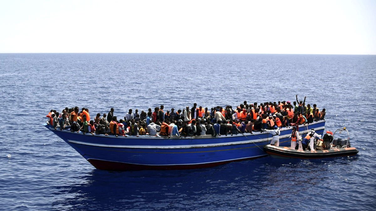 El domingo termina con 366 inmigrantes rescatados en Canarias en 11 barcazas