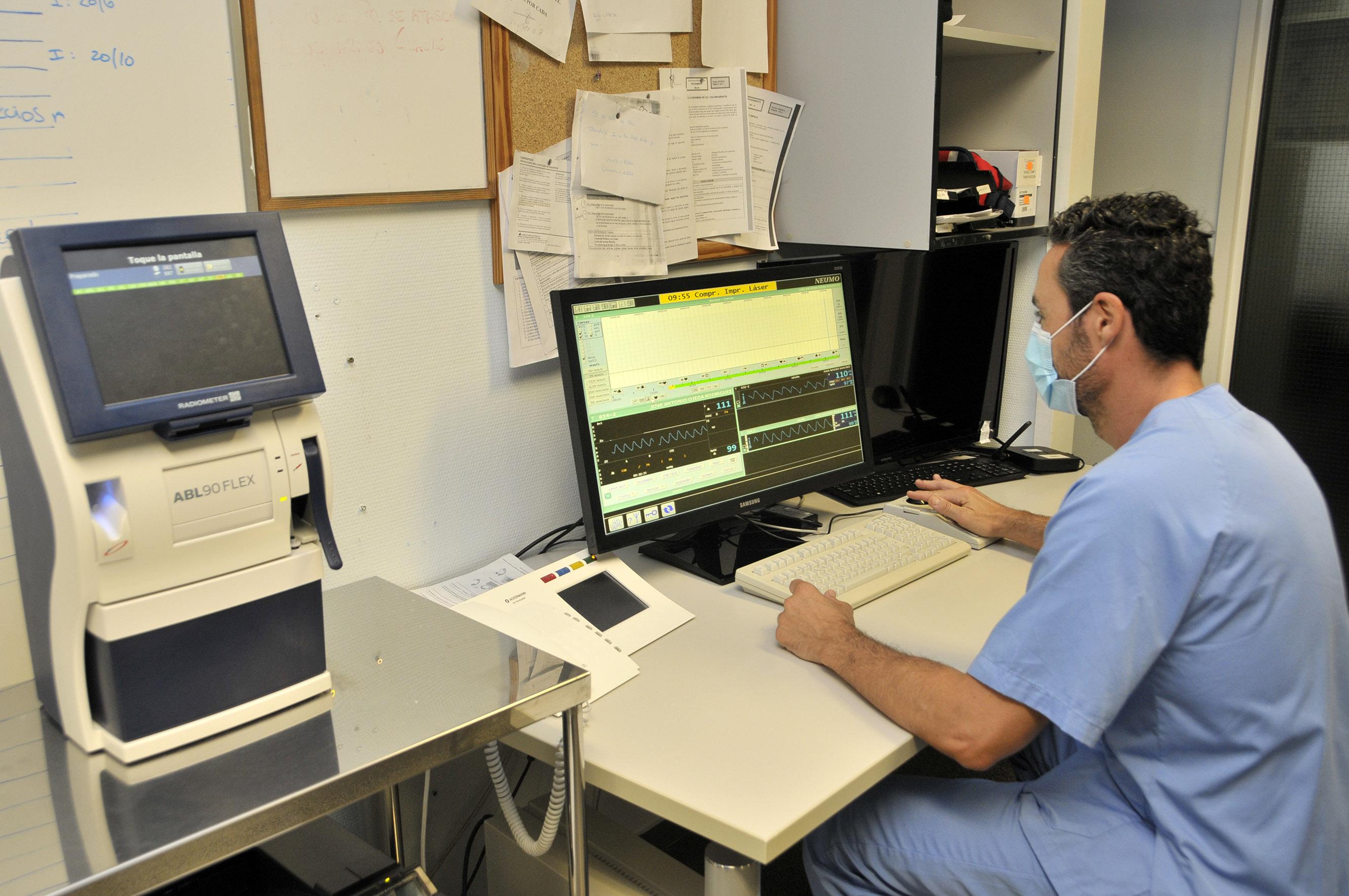El Hospital Dr. Negrín amplía el sistema de telemetría al servicio de Medicina Interna