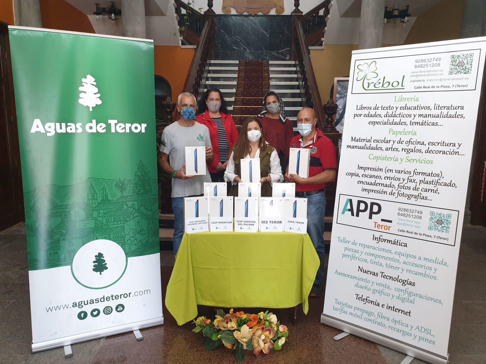Aguas de Teror EDUCA entrega tablets a los centros educativos del municipio