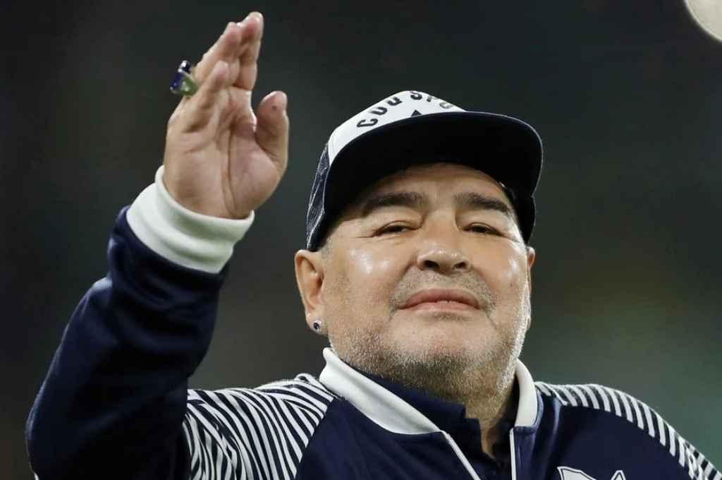 Fallece Diego Armando Maradona a los 60 años al sufrir un paro cardio respiratorio