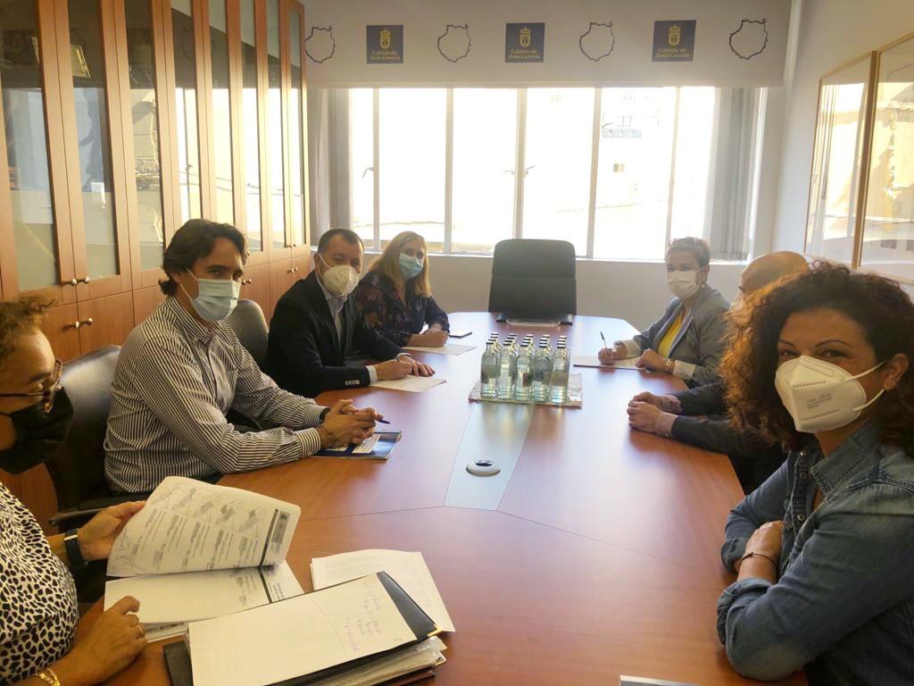 Firma del convenio entre el Cabildo de Gran Canaria e Ingenio / CanariasNoticias.es