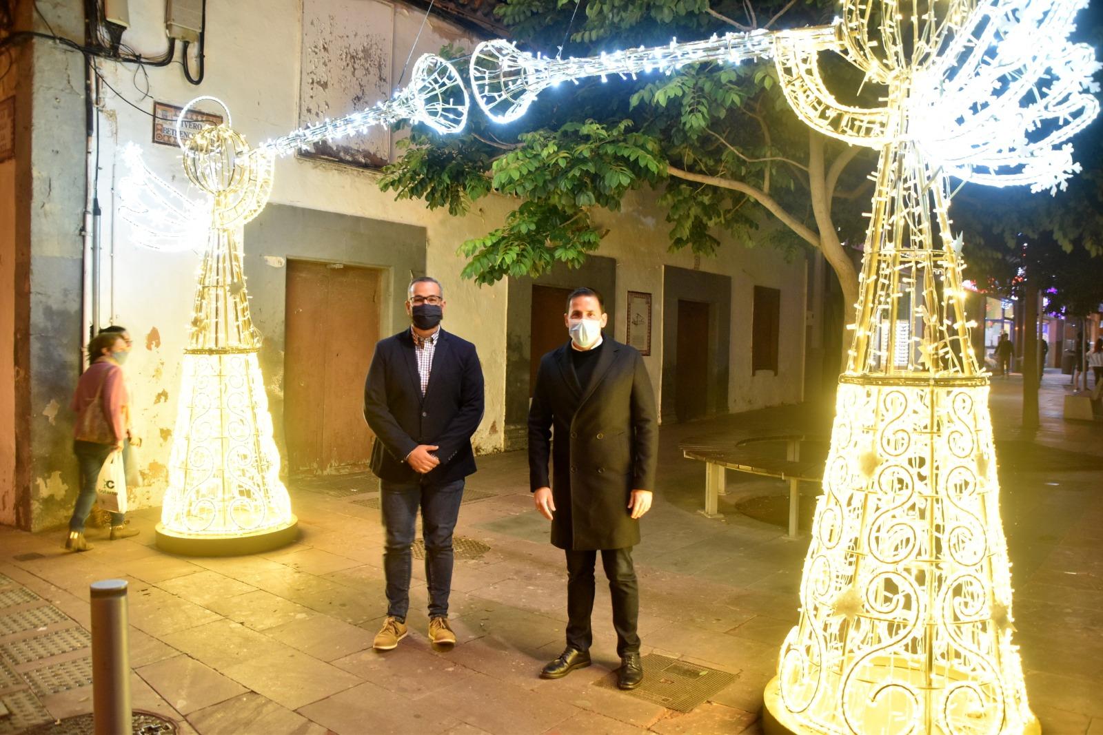 Héctor Suárez y Jonay López. Iluminación navideña de Telde / CanariasNoticias.es