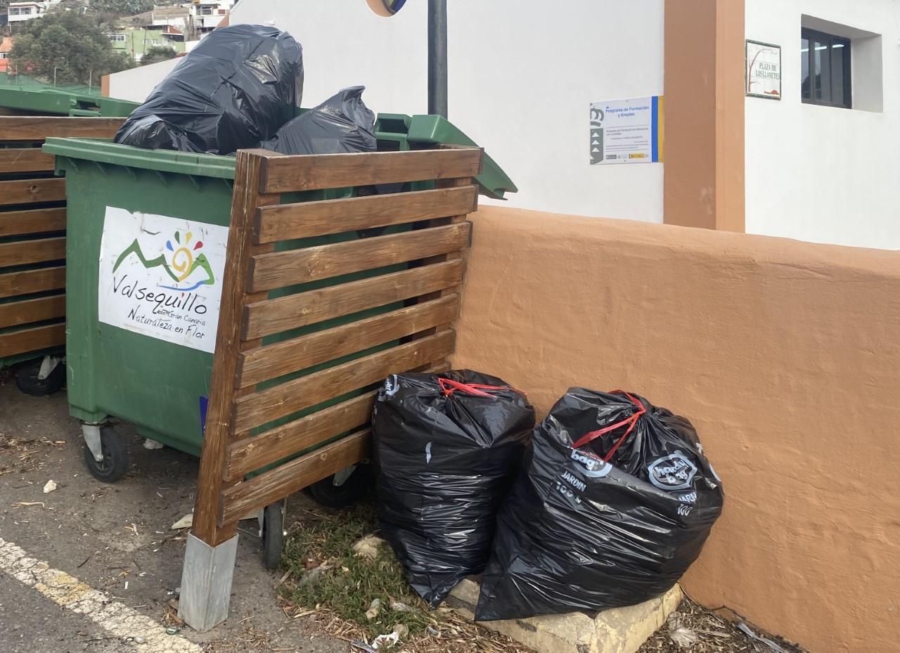 Los vecinos se quejan que la basura se acumula en el municipio Valsequillo/ CanariasNoticias.es