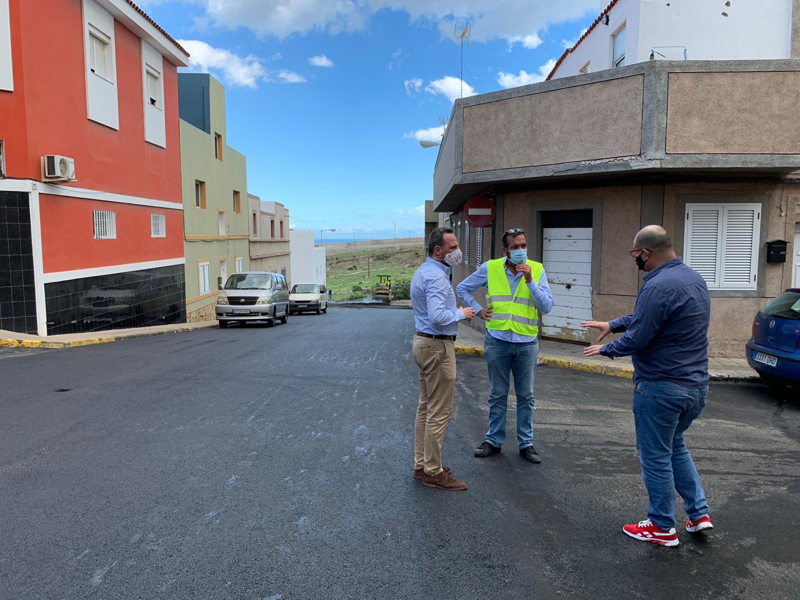 Asfaltado en Lomo Cementerio en Telde / CanariasNoticias.es