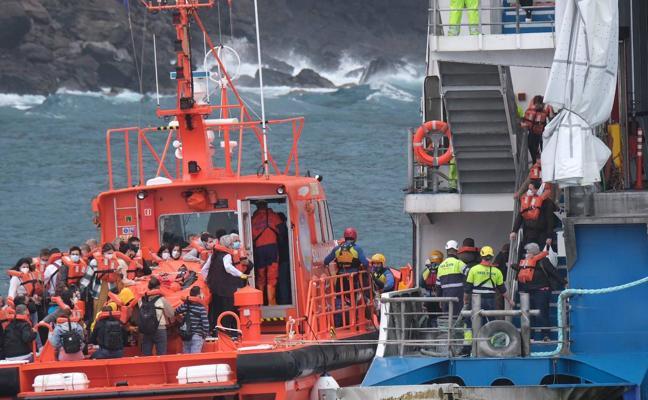 Los pasajeros del Fred Olsen encallado en Agaete han sido evacuados con éxito