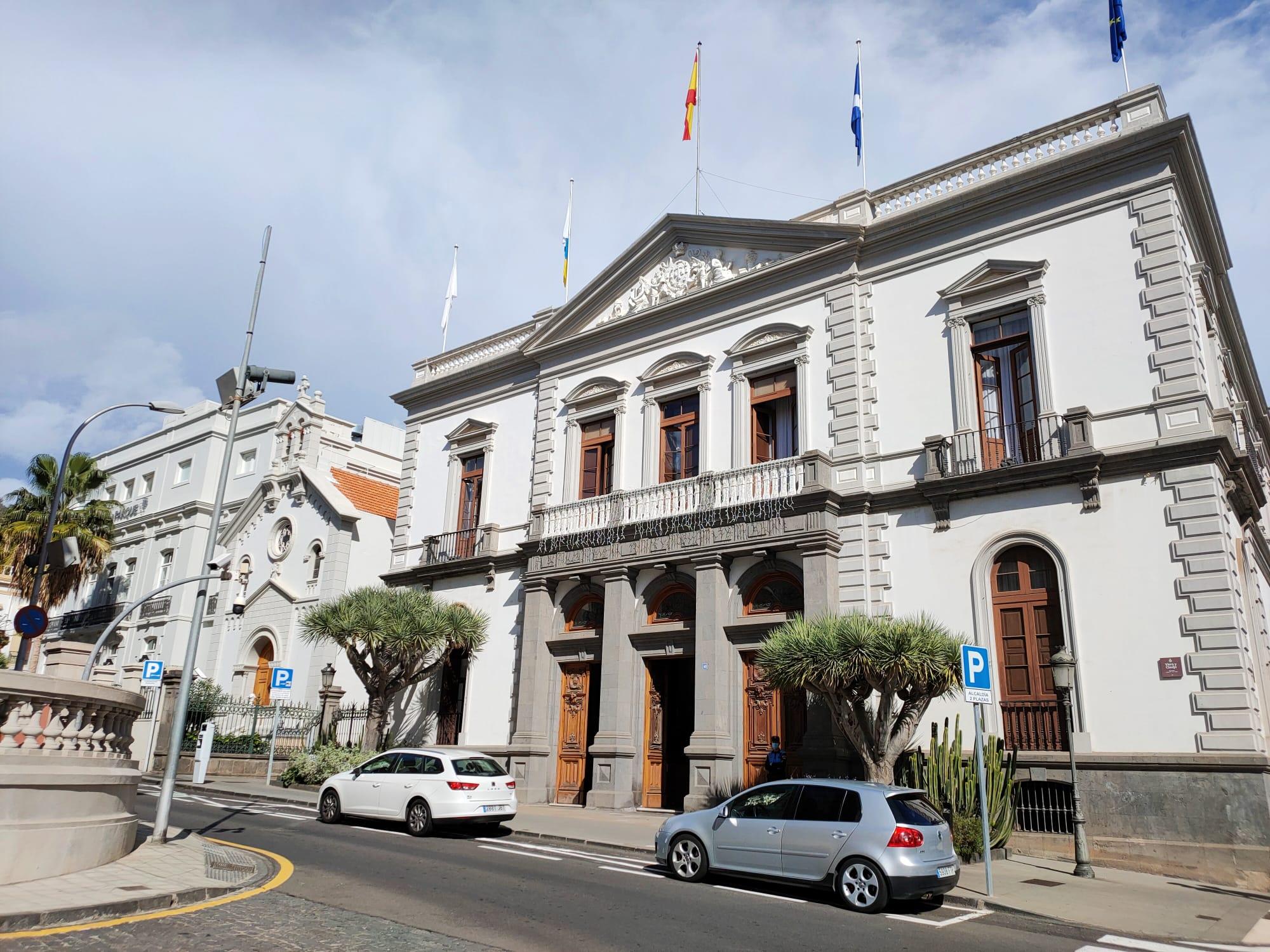 Santa Cruz de Tenerife ha abonado en los últimos días 914.000 euros a 513 pymes y autónomos